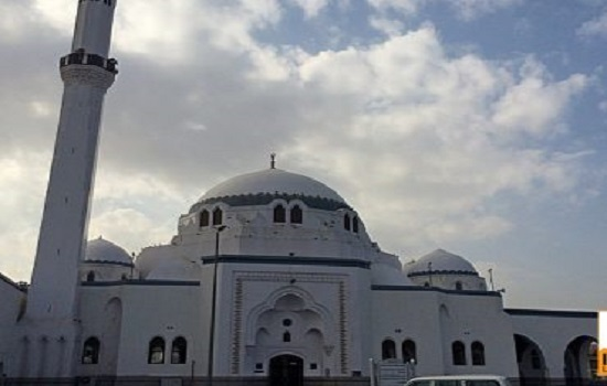 Front-of-Masjid-Jummah-370x297