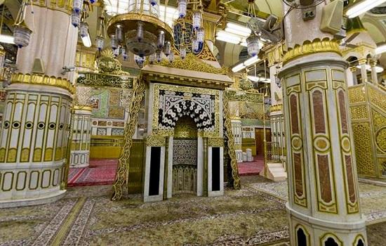 Mehrab-of-Masjid-e-Nabwi1